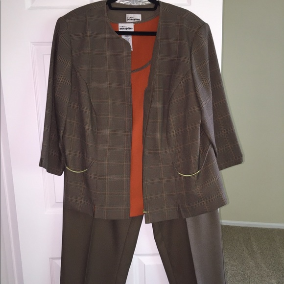 Dress Barn Pants - Women's 3-piece pant suit